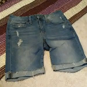 SO Bermuda lightly distressed shorts